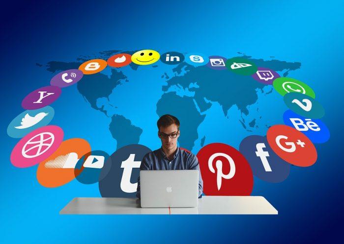Social, foto dal web